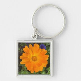 Vibrierende orange Dahlie-Blume Schlüsselanhänger