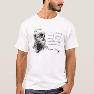 Victor Hugo absorbierte im Gedanken T-Shirt