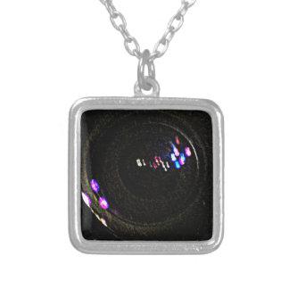 Video-GEFANGENNAHME ArbeitsjGibney ART1 das MUSEUM Personalisierte Halskette