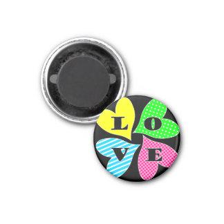 Vier farbige Herzen Runder Magnet 3,2 Cm