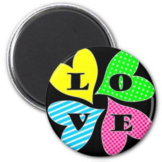 Vier farbige Herzen Runder Magnet 5,7 Cm