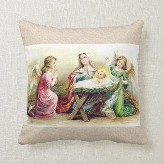 Vintage Engel, die Baby Jesus und Mary umgeben Zierkissen