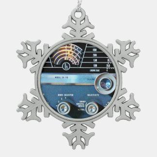 Vintage kurze Wellen-Radiogerät Schneeflocken Zinn-Ornament
