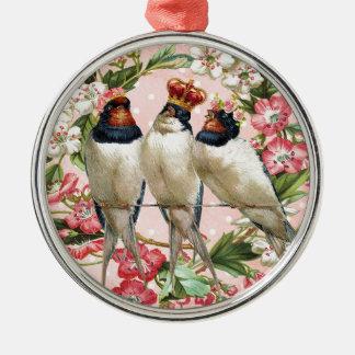 Vintage schäbige Vögel und Blumen Rundes Silberfarbenes Ornament
