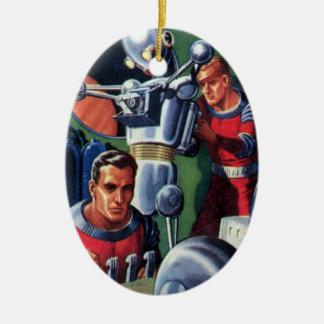 Vintage Science Fiction-Astronauten, die einen Keramik Ornament