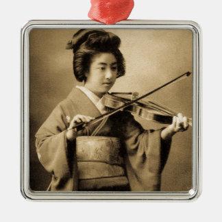 Vintager japanischer Geisha, der Silbernes Ornament