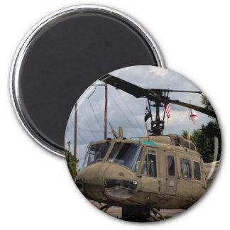 Vintager Militär-Chopper Vietnam-Ära-Uh-1 Huey Runder Magnet 5,7 Cm
