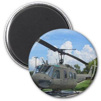 Vintager Militär-Hubschrauber Vietnams Uh-1 Huey Runder Magnet 5,7 Cm