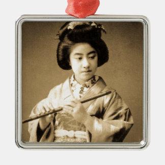 Vintager Sepia tonte den japanischen Geisha, der Silbernes Ornament