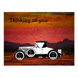 Vintages Auto auf roter Malerei Postkarte