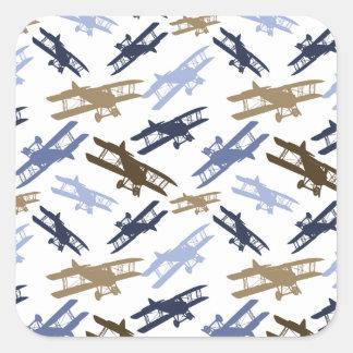 Vintages Doppeldecker-Flugzeug-Muster blaues Brown Quadrat-Aufkleber