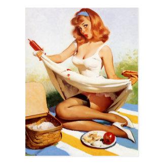 Vintages freches Picknick-Button herauf Mädchen Postkarte