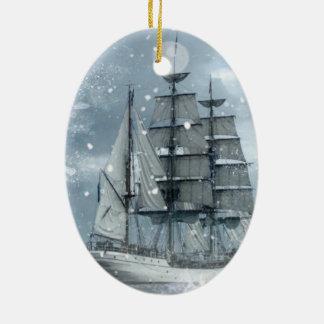 Vintages Piratenschiff des Ovales Keramik Ornament