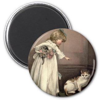Vintages viktorianisches u. niedlich: Hier Miezeka Runder Magnet 5,7 Cm