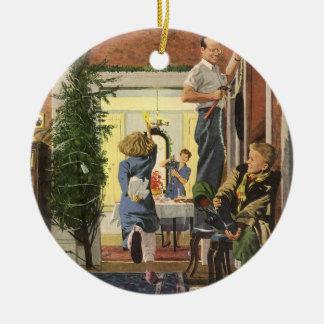 Vintages Weihnachten, Familie, die das Haus Rundes Keramik Ornament