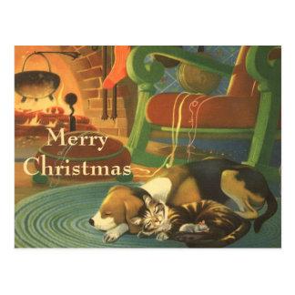Vintages Weihnachten, Schlafentiere durch Kamin Postkarte