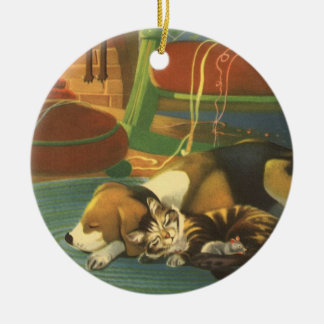 Vintages Weihnachten, Schlafentiere durch Kamin Rundes Keramik Ornament