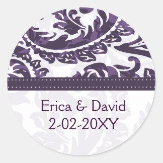 violetter Monogrammaufkleber