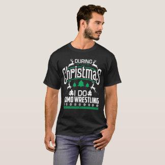 Während des Weihnachten TUE ICH Sumo-Wrestling ein T-Shirt