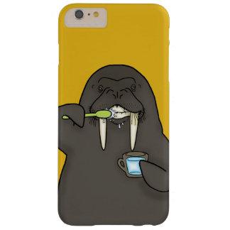 Walroß, das seine Zähne putzt Barely There iPhone 6 Plus Hülle