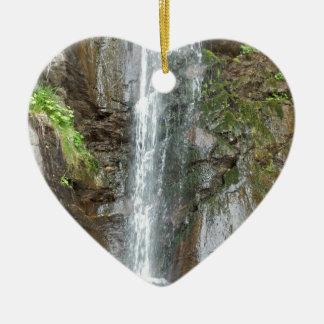 Wasserfall des Finsterbach in dem Ossiacher See Keramik Herz-Ornament