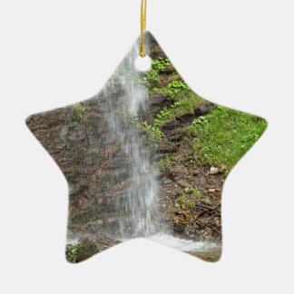 Wasserfall des Finsterbach in dem Ossiacher See Keramik Stern-Ornament
