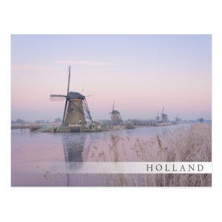 Weiches Sonnenaufganglicht im Winter über Postkarte