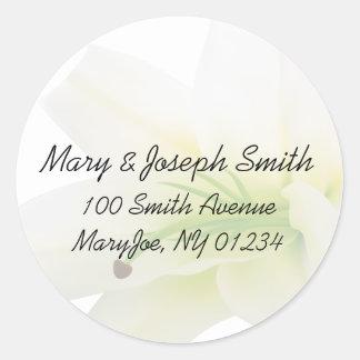 Weiße Lilien-Hochzeits-Adressen-Aufkleber Runder Aufkleber