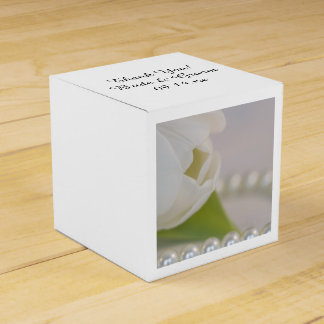 Weiße Tulpe-und Perlen-Frühlings-Hochzeit Geschenkkartons