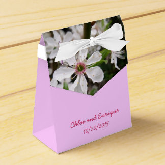 Weißer Blüten-Baum-personalisierte Hochzeit Geschenkschachtel