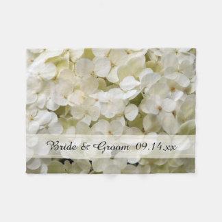 Weißer Hydrangea-Blumenhochzeit Fleecedecke