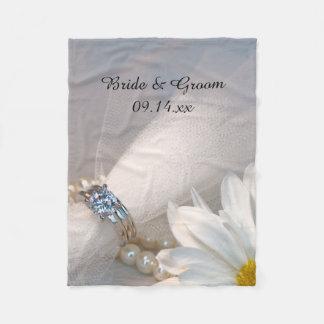 Weißes Gänseblümchen-Eleganz-Hochzeit Fleecedecke