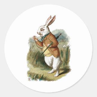 Weißes Kaninchen von der Alicen im Wunderland Runder Aufkleber
