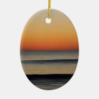 Wellen in Ihnen Horizont Ovales Keramik Ornament