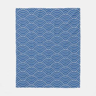 Wellen-Muster-Chinablau und Taupe Fleecedecke