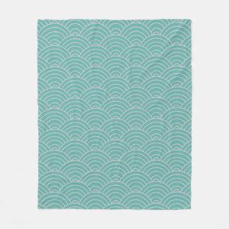 Wellen-Muster Seaglass und Taupe Fleecedecke