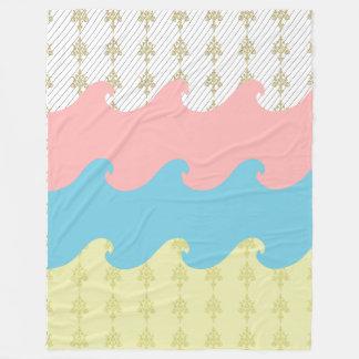 Wellen-rosa blaues Gold verzeichnet Fleecedecke in
