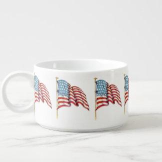 Wellenartig bewegende amerikanische Flagge Kleine Suppentasse