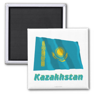 Wellenartig bewegende Flagge Kasachstans mit Namen Magnete