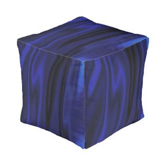 Wellenartig bewegendes Blau Kubus Sitzpuff