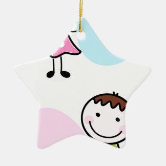 Wenige Gekritzel Kinder - Junge mit Mädchen Keramik Stern-Ornament