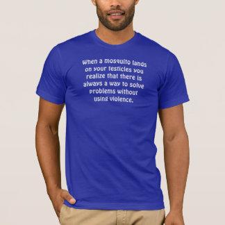 Wenn ein Moskito auf Ihren Testikeln… landet T-Shirt