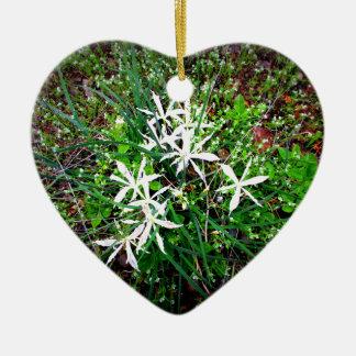 Wilde Lilien Makro Keramik Ornament