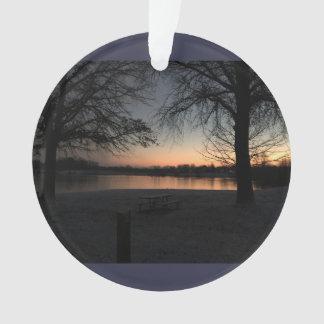 Winterzeit-Sonnenuntergang am Kern-Nebenfluss Ornament
