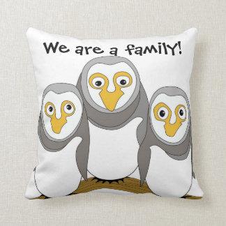 Wir sind eine Familie Kissen