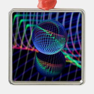 Wirbel und Linien im Glasball Silbernes Ornament