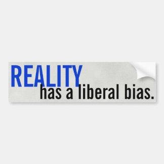 Wirklichkeit hat eine liberale Neigung Autoaufkleber