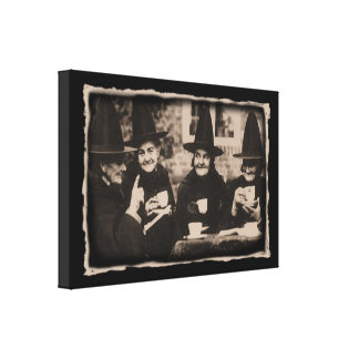 Witches Tea Party – old black/white Gespannte Galeriedrucke