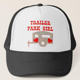 Wohnwagensiedlung-Mädchen Truckerkappe