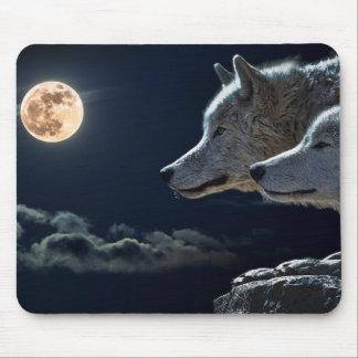 Wolf-Wölfe, die am Vollmond nachts heulen Mousepads